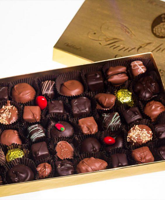 auntcharlottes-candy-8315-1lbassort01