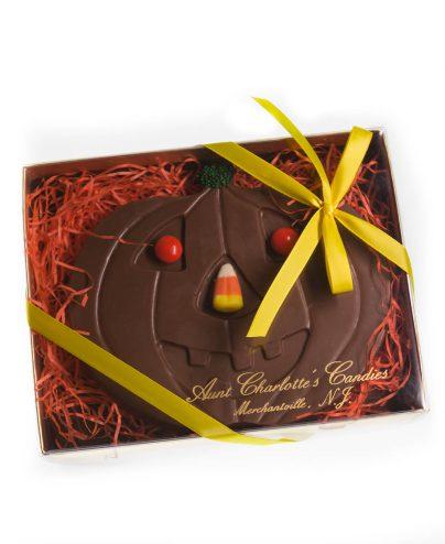prod_h_0062_auntcharlottes-candy-holiday-halloween-jackolantern-boxed-9701