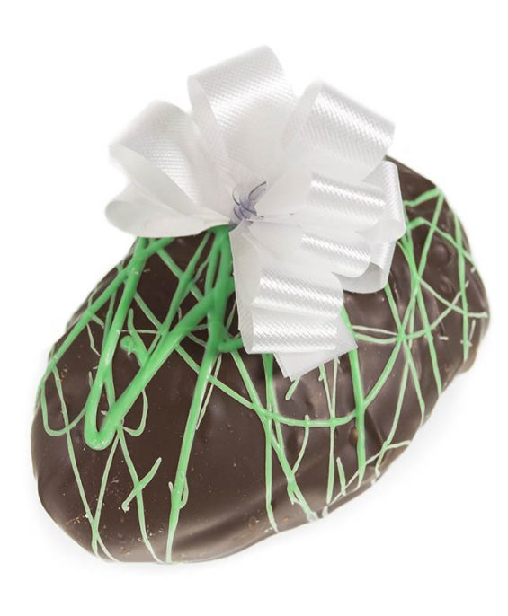prod_e__0012_AuntCharlottes-candy-Easter-Dark Chocolate Vanilla Fudge Egg-4708