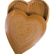 ac_prod_val_0044_large_chocolate_heart_box_lace_7343