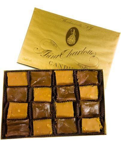 prod-bx_0009_auntcharlottes-boxed-0617-fudge-assortment-plain-7346
