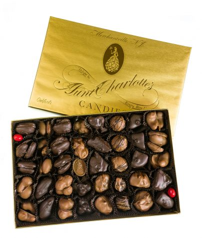 prod-bx_0010_auntcharlottes-boxed-0617-Fruit-Nut-Assortment-7100